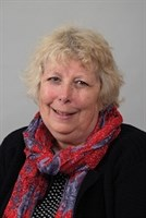 Photo of Councillor Julie Carr